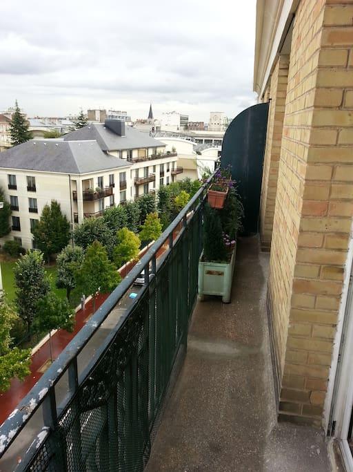 Dernier étage, vue panoramique, bois au bout de la rue