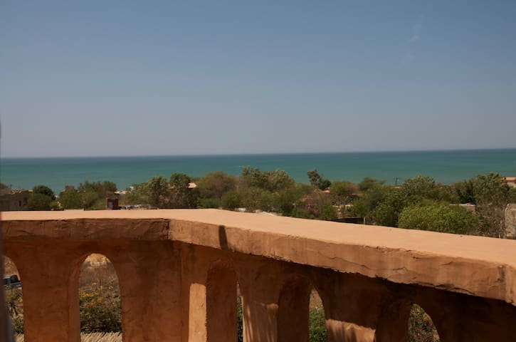 Property with panoramic sea view! - Popenguine - House