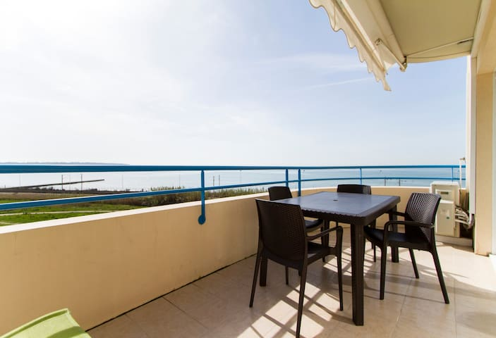 Magic SeaView Pool Terrace Beach AC TVWifi Parking