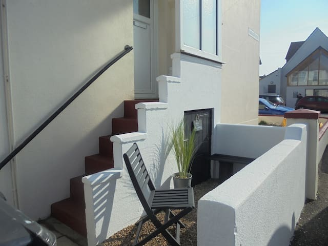 11b Beachside - Walk to the beach! - Eastbourne - Daire