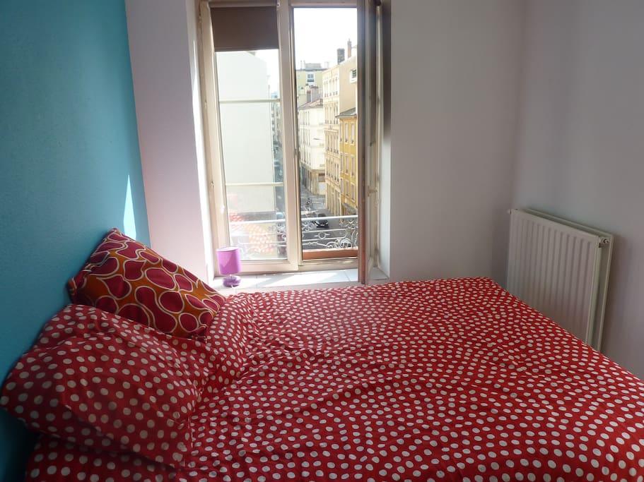 Votre chambre avec un vrai lit en 160*200