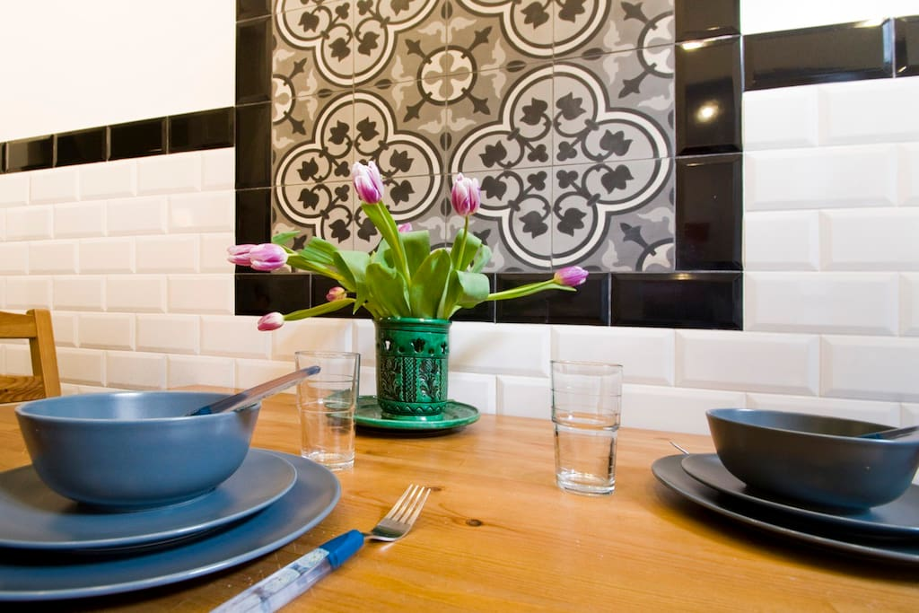 there is a common dining room where 4 people can sit at a time, it is comfortable to enjoy a dinner or to have a coffee or tea from the complimentary which comes with the apartment