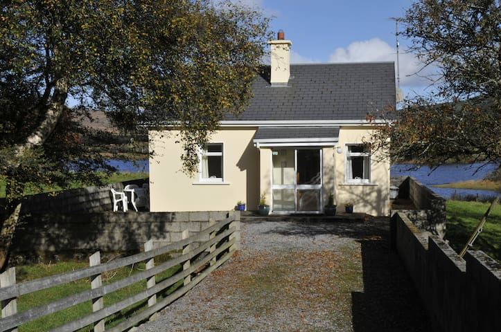 Islandview Holiday Cottage. - Oughterard - Srub
