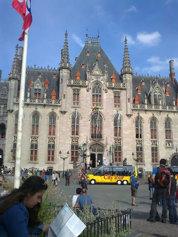 Nice apartment with super location , Brugge