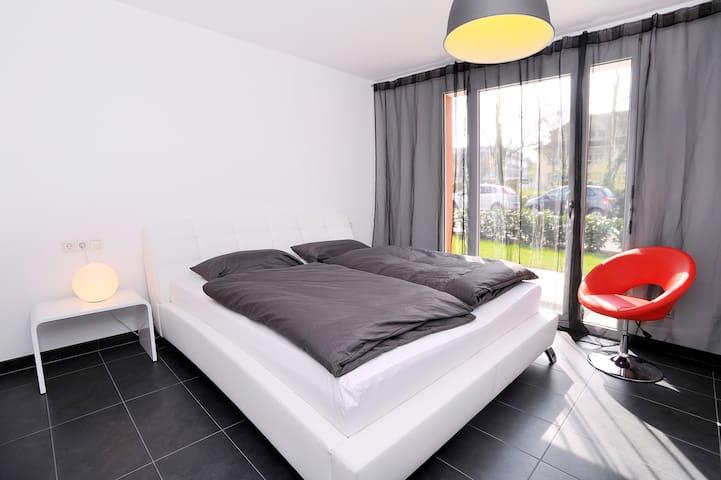 Modernes zentrales Appartement - Kirchheim unter Teck - Apartamento