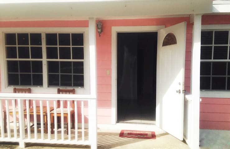 Affordable Cozy Centrally-Located Exuma Apartment