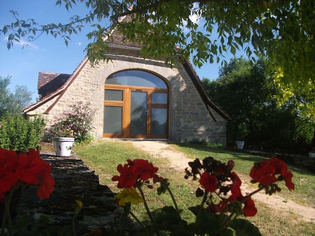 chambre d'hôte  en pierre du Quercy - Gramat - 家庭式旅館