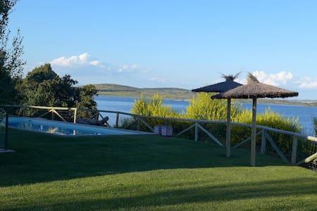 Casa de lujo con golf en lago - La Isla de Valdecañas