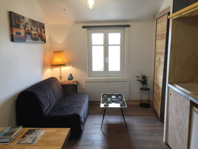 Studio near railway station, free parking + view