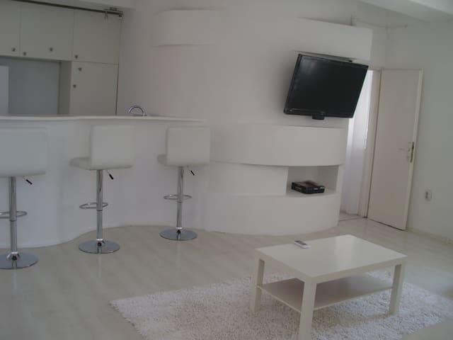 Living room area....