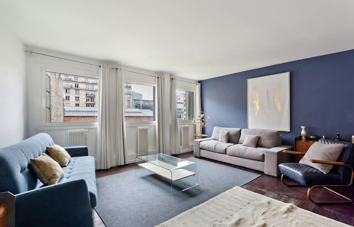 Modern & Cosy 1-Bed Apartment Sleeps 6, in Paris