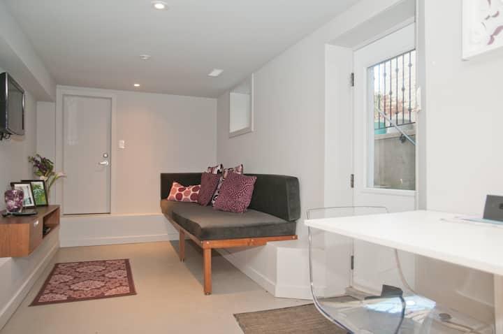 1 Bedroom in Leslieville Toronto!