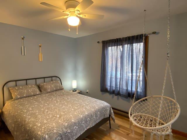 First floor bedroom with Queen Size bed