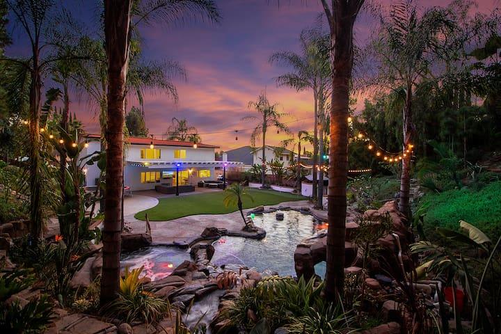 Tropical Resort on MASSIVE lot in OC!