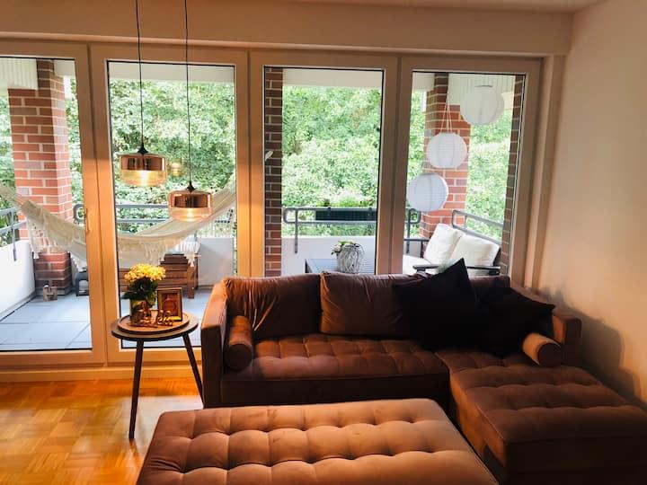 Ganze Wohnung - hochwertig und zentral im Grünen
