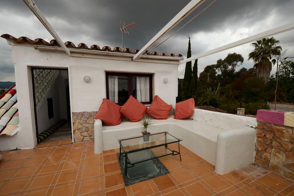Bonitas vistas y espaciosa terraza con barbacoa y vistas a la montaña