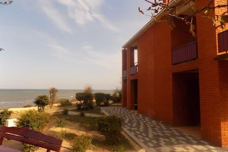 Апартаменты с видом на море - Peresyp'