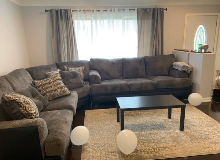 One bedroom in beautiful house!