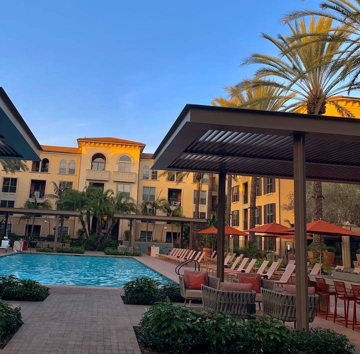 Experience a LuxuriousStay By IrvineSpectrumCenter