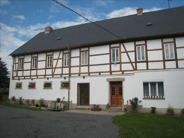 Modernized 15th Century Farm  - Oederan/Hartha - Apartment