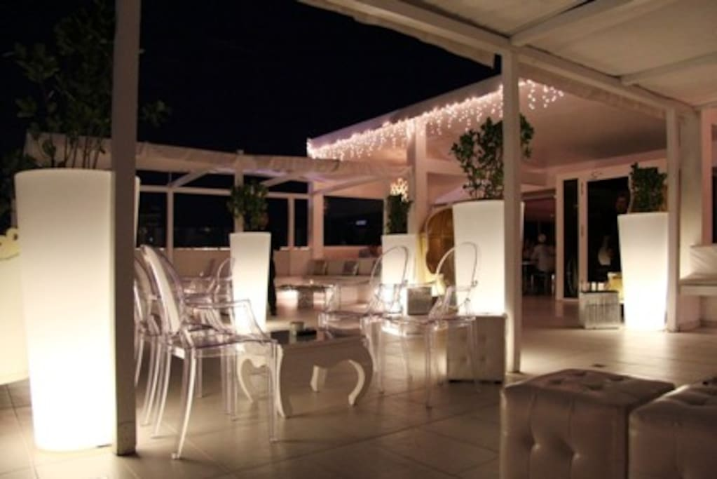 Cool and Trendy Lounge/Club