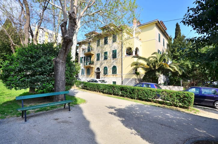 Beach Apartment LADA - Split - Apartamento