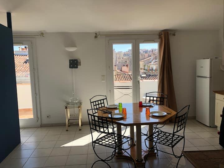 Loft avec balcon 7 m / cœur de Marseille