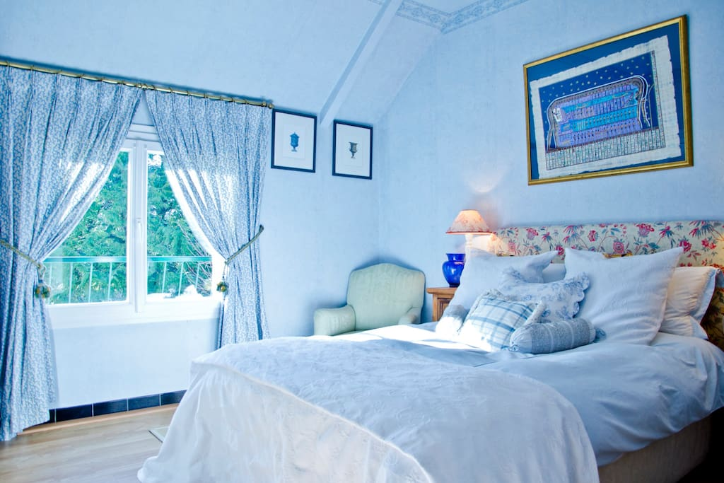 The blue room -- perfect for a couple
