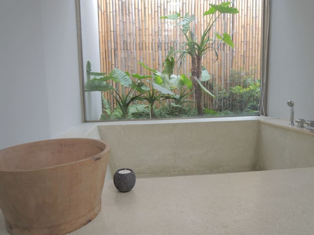 Modern Beitou Stay II with Hot Tub
