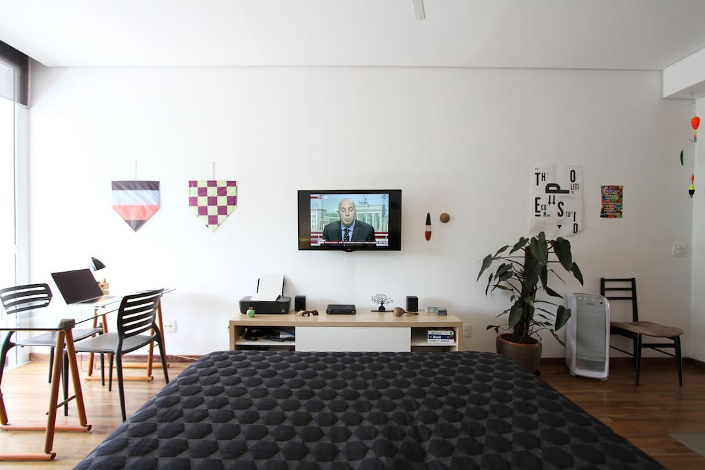 A studio designed to recharge and relax, with a superfast internet connection