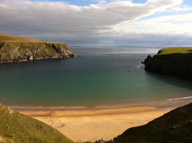 Silver Beach Cottage - Malinbeg, Glencolmcille - Hus