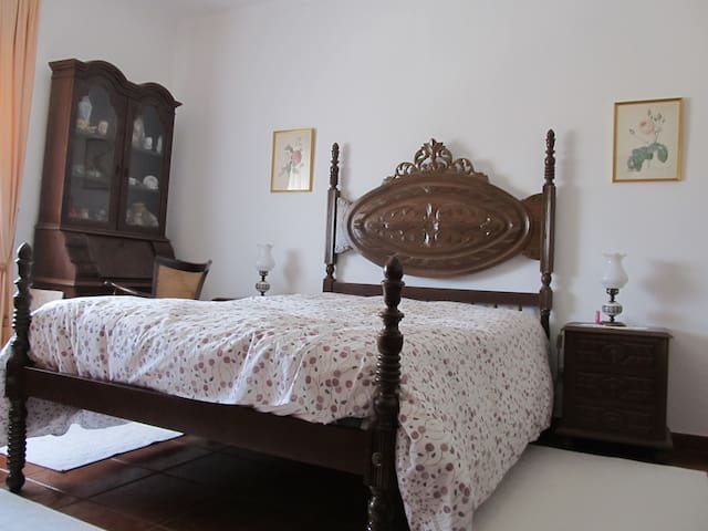 Quarto I - Casa da Avó Maria Neta - Santarém - Rumah