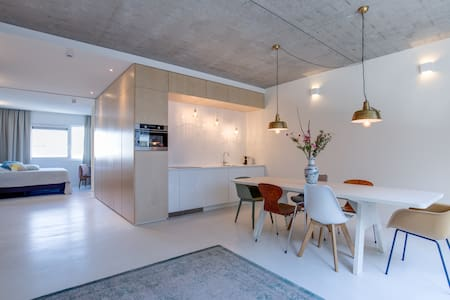 Industrial and spacious APT | Near city center A1 - Amsterdam