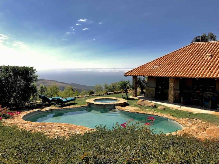 Guesthouse Great Ocean & Mountain Views near Beach