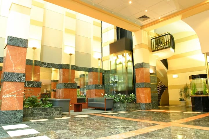 LUXURY SERVICE CBD HOTEL/PERFECT4 FRIENDS n COUPLE