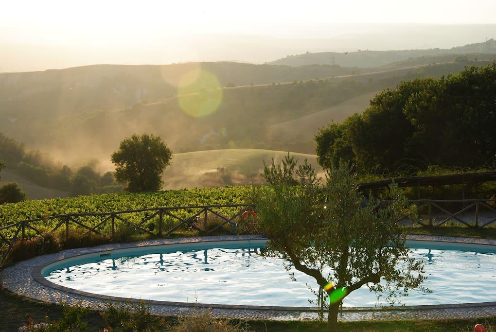 Piscina e tramonto - Swimming pool and sunset