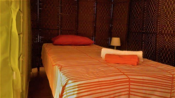 Sun Hostel - Lit 1 dans une chambre partagée.