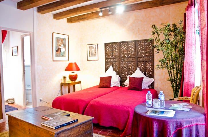 Medieval Guestrooms in Loire Valley