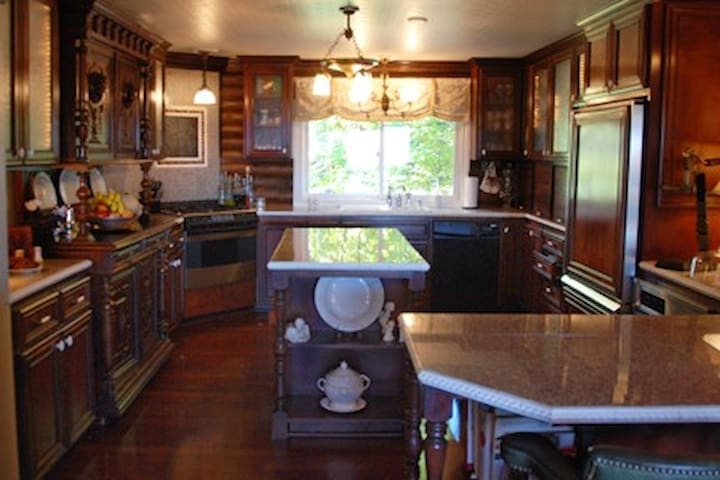 We have 2 ovens and 2 refrigerators so hosting a large group is rather easy!