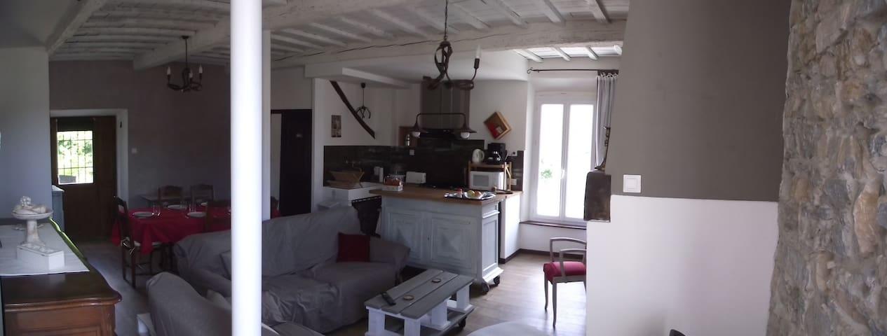 """Pour couple """"Chez Jeanine"""" au Cœur des Corbières - Villeneuve-les-Corbières - Rumah"""