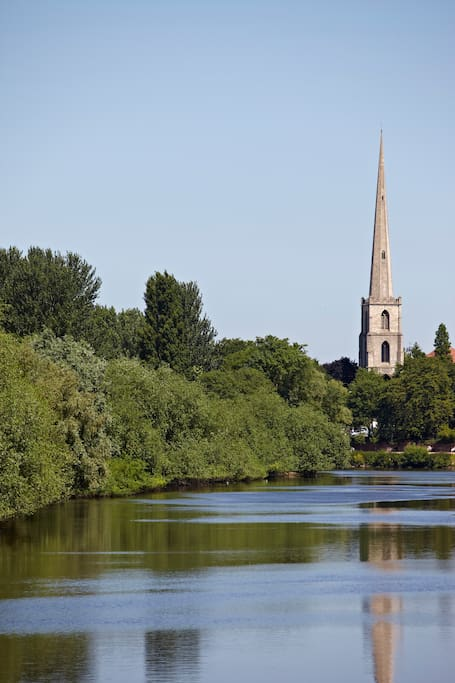 Take a cruise up or down the River Severn
