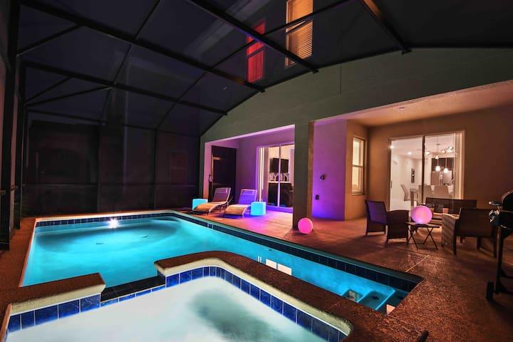 Resort Getaway Villa 7BD 5BA @ Storey Lake