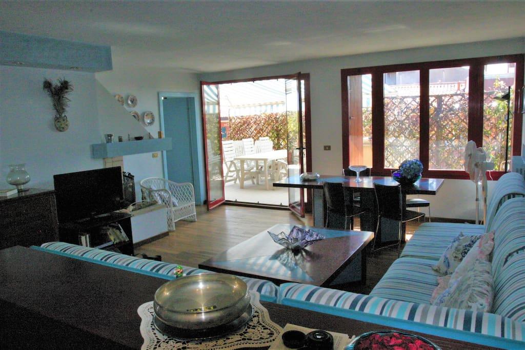 Lounge Room, Salotto e Terrazza