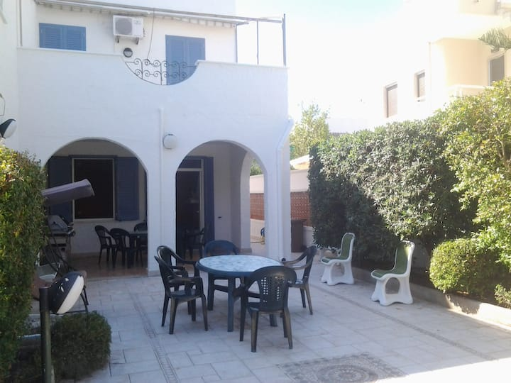 Spacious Villa Veronica close to the Sea with Terrace; Pets allowed at Extra Charge, Parking Available