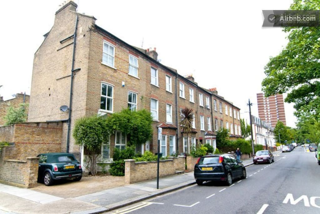 Twin room in large terraced house maisons louer - Louer maison londres ...