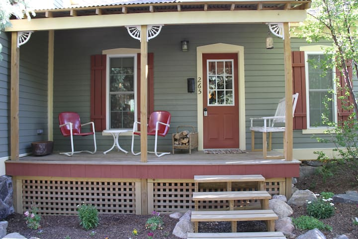 New front porch with views of Sunrise Peak.