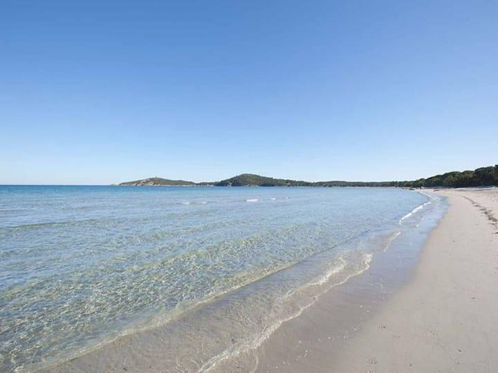 U Caseddu à 300m à pied de la plage de sable