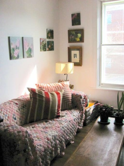 One Bedroom In Artist 39 S Charming Apartment Apartments For Rent In Montreal Quebec Canada