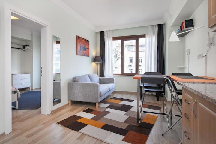 Bright apartment - perfect location