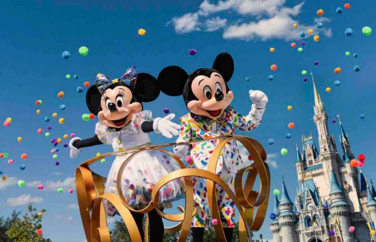 BRAND NEW LUXURY CONDO 2BD/2BA 5 Min to Disneyland